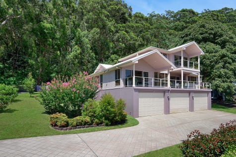 15 Koonora  Avenue, Blackwall, 2256, Central Coast - House / EXCLUSIVE ADDRESS - STUNNING RESIDENCE WITH WATERVIEWS / Garage: 8 / Air Conditioning / Ensuite: 1 / Toilets: 3 / $1,325,000