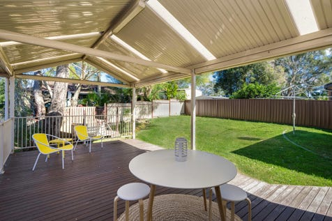 18 Holcombe Avenue, Narara, 2250, Central Coast - House / Large family home with commanding district views / Garage: 1 / $615,000