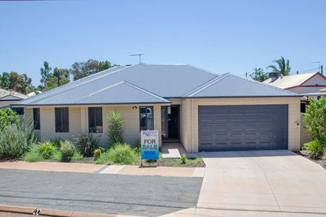 82 Hopetoun Street, South Kalgoorlie, 6430, East - House / ONLY 2 YEARS OLD!! A MUST SEE! / Carport: 2 / Ensuite: 1 / Living Areas: 1 / Toilets: 2 / $429,000