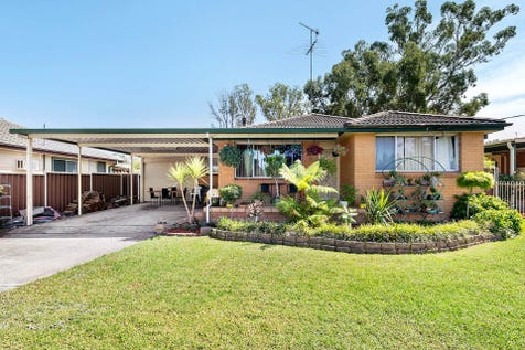 9 Bradley Road, South Windsor, 2756, Western Sydney - House / Inspections by appointment please call 0422 225 336 to arrange / Carport: 1 / Garage: 1 / Air Conditioning / Toilets: 1 / $509,950