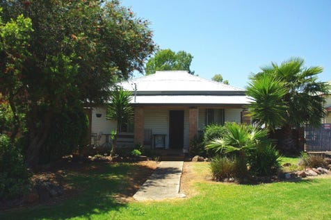 6 Railway Avenue, Wellington, 2820, Central Tablelands - House / Home, investment or redevelopment potential! / Carport: 1 / Garage: 1 / Air Conditioning / Toilets: 2 / $139,000