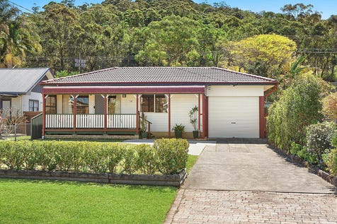 58 Victory Parade, Tascott, 2250, Central Coast - House / Beautifully presented fishermans cottage  / Deck / Garage: 2 / Air Conditioning / Built-in Wardrobes / Dishwasher / $630,000