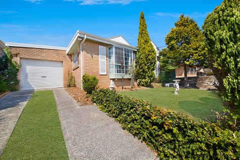 173 Albany Street, Point Frederick, 2250, Central Coast - House / Entry Point / Carport: 1 / Garage: 2 / Air Conditioning / Built-in Wardrobes / Dishwasher / $790,000