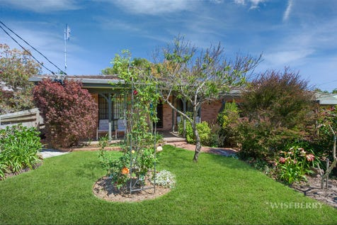 6 Merinda Avenue, Charmhaven, 2263, Central Coast - House / JAW DROPPING! / Garage: 2 / Air Conditioning / Ensuite: 1 / $490,000