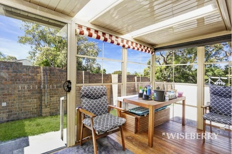 2 West Kahala  Avenue, Budgewoi, 2262, Central Coast - Townhouse / CATCH ME IF YOU CAN! / Garage: 1 / $395,000