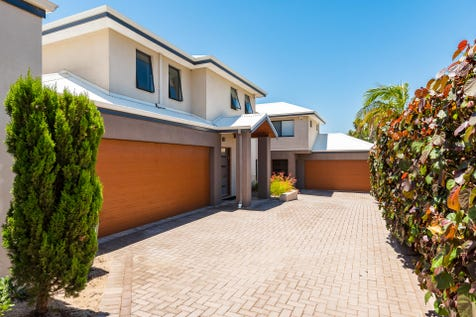 16b Orchid Street, Joondanna, 6060, North East Perth - Townhouse / IMPRESSIVE, EASY CARE TOWNHOUSE IN GREAT LOCATION / Courtyard / Garage: 2 / Secure Parking / Air Conditioning / Split-system Air Conditioning / Toilets: 3 / $659,000