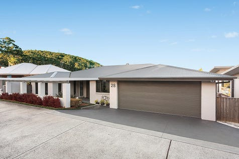 28 Reads Road, Wamberal, 2260, Central Coast - House / Spacious home has ocean views and dual living scope  / Garage: 4 / P.O.A