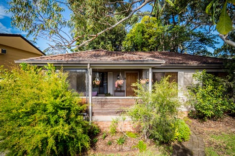17 Campbell Parade, Mannering Park, 2259, Central Coast - House / ALL THE COMFORTS OF HOME / Balcony / Carport: 1 / Air Conditioning / Toilets: 1 / $470,000