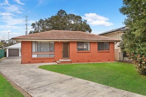 7 Kawana Avenue, Blue Haven, 2262, Central Coast - House / SOLID INVESTMENT / Garage: 1 / $499,000