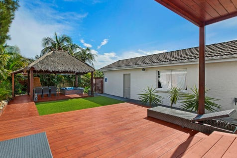 15 Alfred Street, Long Jetty, 2261, Central Coast - House / Spacious Family Home & Entertainers Delight / Carport: 2 / Garage: 4 / P.O.A