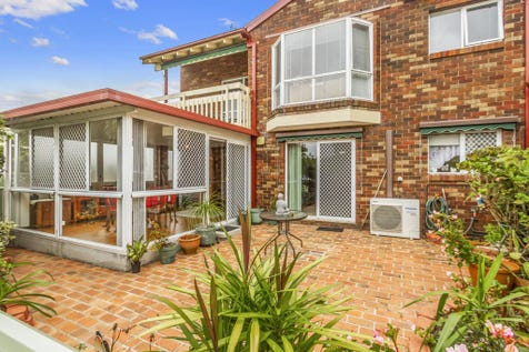 7/15 Lorraine Avenue, Berkeley Vale, 2261, Central Coast - Unit / THREE BEDROOMS PLUS SUNROOM AND FRONT COURTYARD/CARPORT AND GARAGE / Garage: 1 / $439,000