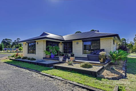 1768 Midland Highway, Bagdad, 7030, East Coast - House / Expect the unexpected / Garage: 2 / Open Spaces: 5 / Living Areas: 1 / $480,000