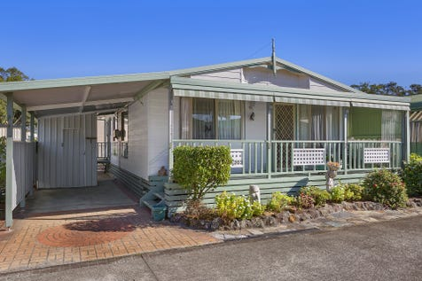 203/2 Evans Road, Canton Beach, 2263, Central Coast - House / Simply Stunning! / Carport: 1 / $230,000