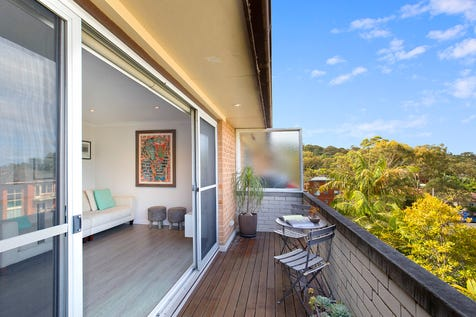 12/29 Gladstone Street, Newport, 2106, Northern Beaches - Unit / Stylishly Renovated Beach Pad Moments to Amenities / Balcony / Carport: 1 / Floorboards / P.O.A