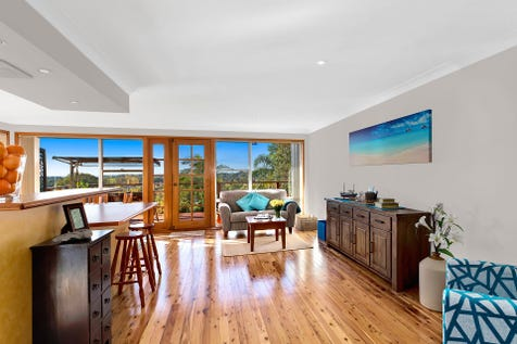 40 Promenade Avenue, Bateau Bay, 2261, Central Coast - House / Ideal Family Home with Ocean Views / Garage: 2 / $765,000