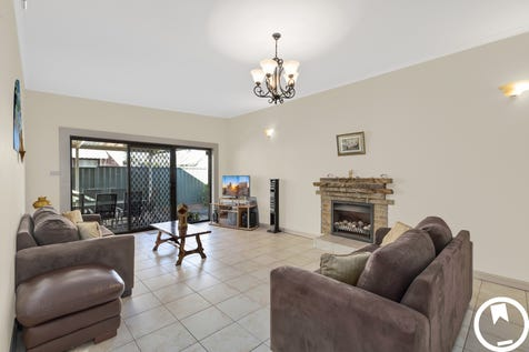 270 Trafalgar Ave, Umina Beach, 2257, Central Coast - House / DUAL OCCUPANCY - HOUSE & STUDIO - 300M TO SHOPS, 600M TO BEACH / Courtyard / Fully Fenced / Outdoor Entertaining Area / Carport: 2 / Open Spaces: 1 / Secure Parking / Air Conditioning / Broadband Internet Available / Built-in Wardrobes / Dishwasher / $930,000