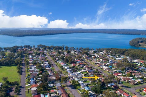 40 Campbell Parade, Mannering Park, 2259, Central Coast - House / RENOVATOR'S DELIGHT / $399,000