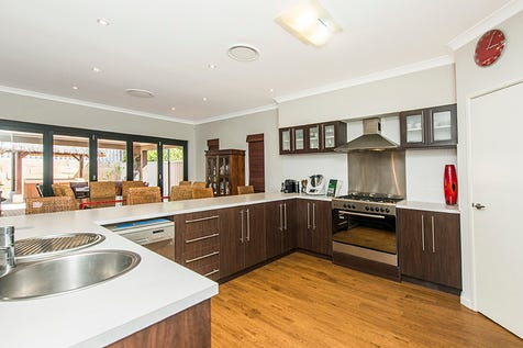 8 Steelwood Way, Helena Valley, 6056, North East Perth - House / Cool, Calm and Contemporary! / Garage: 2 / Secure Parking / Air Conditioning / Alarm System / Toilets: 3 / $795,000