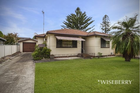 80 Lakedge  Avenue, Berkeley Vale, 2261, Central Coast - House / Screaming Out For A Granny Flat! / Garage: 4 / $500,000
