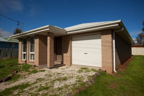 61A Whiteley Street, Wellington, 2820, Central Tablelands - House / YOUR NEXT INVESTMENT / Garage: 1 / Split-system Air Conditioning / $249,000