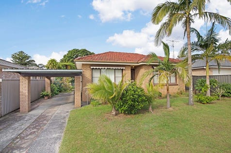 44 Cogra Road, Woy Woy, 2256, Central Coast - House / 3 BEDROOM BRICK HOME SET ON A HUGE 816SQM BLOCK!! / Open Spaces: 1 / $689,000