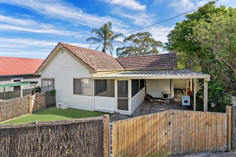1/7 Sydney Avenue, Umina Beach, 2257, Central Coast - House / PRIME LOCATION!!! GOOD SIZE COTTAGE / Carport: 1 / $565,000
