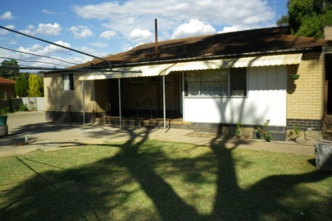 1395 GREAT NORTHERN HIGHWAY, Upper Swan, 6069, North East Perth - House / Location, Location!  Opportunity Knocks! / $479,000