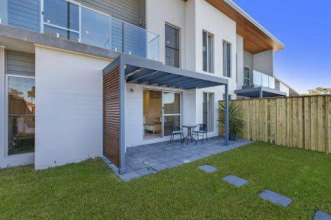 2/1-5 Britannia St, Umina Beach, 2257, Central Coast - Townhouse / EFFERVESCENT! / Courtyard / Deck / Fully Fenced / Outdoor Entertaining Area / Garage: 2 / Remote Garage / Secure Parking / Air Conditioning / Alarm System / Broadband Internet Available / Built-in Wardrobes / Dishwasher / Ensuite: 1 / $720,000