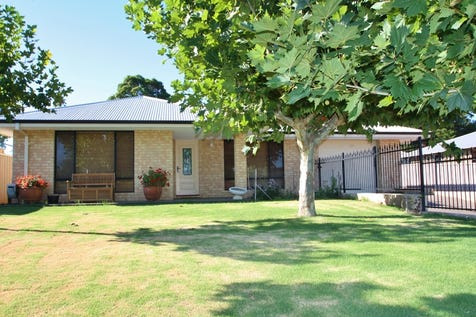 20 Fraser Street, Gingin, 6503, North East Perth - House / Modern Family Home  / Open Spaces: 1 / Air Conditioning / Built-in Wardrobes / Ensuite: 1 / $465,000