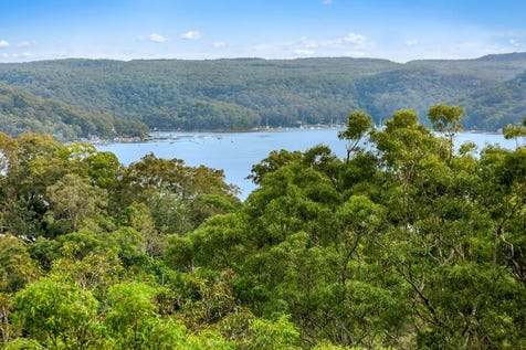28 Capua Place, Avalon Beach, 2107, Northern Beaches - House / Tranquil and Private. Glorious Pittwater Views. / Garage: 4 / Ensuite: 1 / $1,425,000