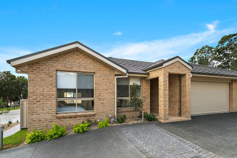 "41/10 Derwent Avenue, Avondale, 2530, South Coast - Villa / ""Carrington Park""- Brand new villa - Ready to Live in Now!! / Courtyard / Fully Fenced / Outdoor Entertaining Area / Garage: 1 / Remote Garage / Secure Parking / Alarm System / Broadband Internet Available / Built-in Wardrobes / Dishwasher / Gas Heating / $595,000"