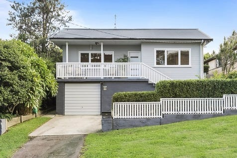 49 Park Street, Mona Vale, 2103, Northern Beaches - House / 6 bedroom house / Balcony / Courtyard / Deck / Fully Fenced / Outdoor Entertaining Area / Carport: 1 / Remote Garage / Secure Parking / Broadband Internet Available / Built-in Wardrobes / Dishwasher / Floorboards / Gas Heating / Workshop / Living Areas: 1 / $1,900,000