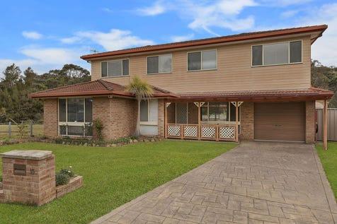 15 Vaughan Close, Killarney Vale, 2261, Central Coast - House / Large Family Living!!! / Garage: 3 / $655,000