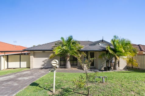 11 Reef Way, Blue Haven, 2262, Central Coast - House / 3 bedroom house / Courtyard / Deck / Fully Fenced / Outdoor Entertaining Area / Carport: 1 / Secure Parking / Air Conditioning / Broadband Internet Available / Built-in Wardrobes / Dishwasher / Living Areas: 2 / $460,000