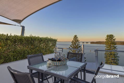 23/1 Tuggerah Parade, The Entrance, 2261, Central Coast - Apartment / LUXURY PENTHOUSE BY THE SEA / Garage: 2 / P.O.A