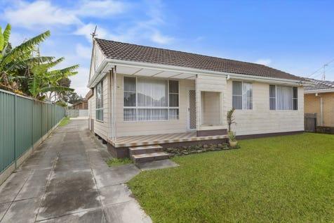 98 Oaks Avenue, Shelly Beach, 2261, Central Coast - House / Rare Beachside Block - One Minute To Beach / Garage: 2 / $650,000