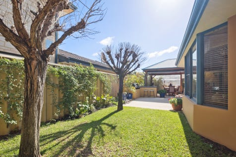 6 Airways Boulevard, Maylands, 6051, North East Perth - House / Come fly with me, let's fly let's fly away / Balcony / Garage: 2 / Secure Parking / Air Conditioning / Alarm System / Toilets: 3 / $899,000