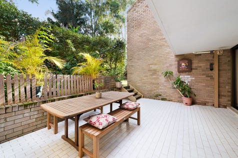 1/32 Seaview Avenue, Newport, 2106, Northern Beaches - Apartment / Ground Floor Large Garden Courtyard Apartment / Courtyard / Outdoor Entertaining Area / Garage: 1 / Remote Garage / Broadband Internet Available / Built-in Wardrobes / Dishwasher / Floorboards / Gas Heating / Intercom / Pay TV Access / Living Areas: 1 / $1,050,000