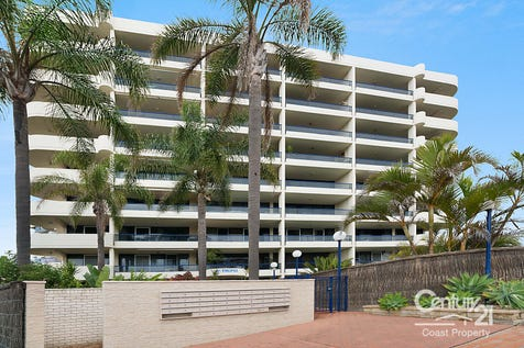 15/38-44 Dening Street, The Entrance, 2261, Central Coast - Unit / Spectacular Position / Outdoor Entertaining Area / Swimming Pool - Inground / Tennis Court / Garage: 1 / Secure Parking / Air Conditioning / Built-in Wardrobes / Dishwasher / Ensuite: 1 / $495,000