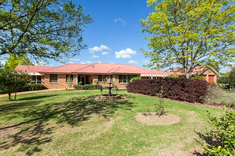 17 Leconfield Drive, Mudgee, 2850, Central Tablelands - House / PRESENTATION AT ITS BEST / Balcony / Garage: 2 / Secure Parking / Air Conditioning / $825,000