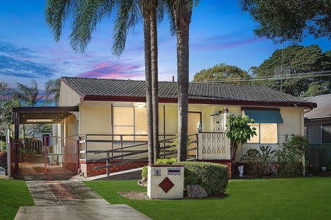 40 Lindsay Street, Long Jetty, 2261, Central Coast - House / Original home on level block close to beach / Carport: 1 / $540,000