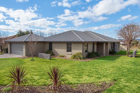 20 Hardy Crescent, Mudgee, 2850, Central Tablelands - House / IMPECCABLE RESIDENCE / Open Spaces: 2 / Air Conditioning / Built-in Wardrobes / Ensuite: 1 / Toilets: 3 / $450,000