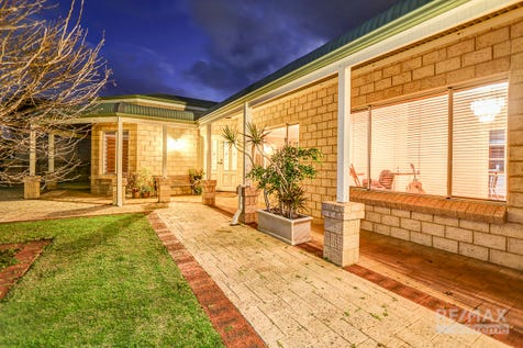 39 Beaumaris Boulevard, Ocean Reef, 6027, North West Perth - House / LOOK, NEW PRICE, AMAZING VALUE / Courtyard / Fully Fenced / Outdoor Entertaining Area / Shed / Garage: 2 / Remote Garage / Secure Parking / Built-in Wardrobes / Evaporative Cooling / Floorboards / Gas Heating / Ensuite: 1 / Living Areas: 3 / $650,000