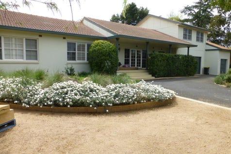 16 Molong Road, Parkes, 2870, Central Tablelands - House / Position & Prestige / Garage: 3 / Toilets: 3 / $650,000