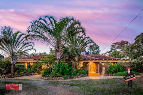 32 Innamincka Road, Greenmount, 6056, North East Perth - House / Relax in your semi-rural metro home / Carport: 2 / Secure Parking / Air Conditioning / Alarm System / Toilets: 2 / $529,000