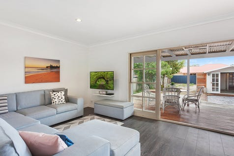 316 Ocean Beach Road, Umina Beach, 2257, Central Coast - House / Well presented investment opportunity on level block / Deck / Carport: 1 / Built-in Wardrobes / $650,000