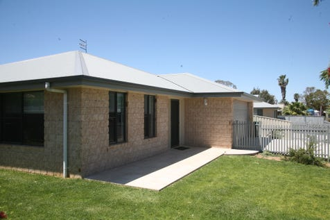 "9A & 9B Melrose Street, Condobolin, 2877, Central Tablelands - House / Instructions Are Clear...""Sell"" / Garage: 2 / Secure Parking / Air Conditioning / $210"