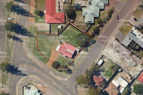 21 Hicks Street, Esperance, 6450, East - House / Invest Now, Prosper Later / Carport: 1 / Toilets: 1 / $420,000