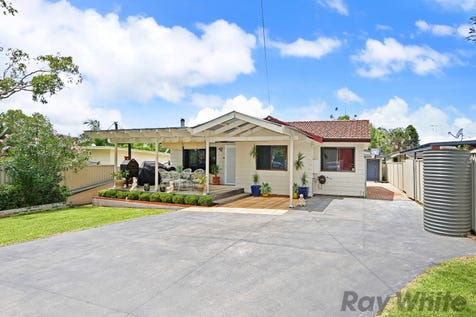 149 Pacific Highway, Charmhaven, 2263, Central Coast - House / A Beginners' Winner! / Garage: 2 / Toilets: 2 / $430,000