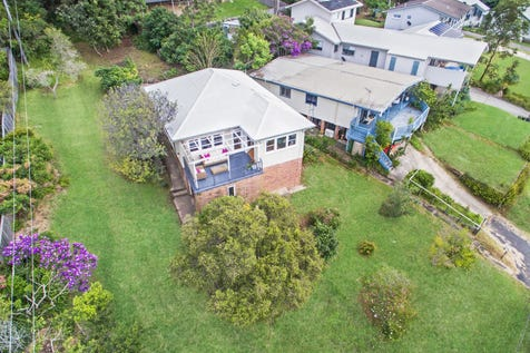 2 Wagstaffe Avenue, Wagstaffe, 2257, Central Coast - House / Character-rich cottage with water views / Garage: 1 / Floorboards / Toilets: 2 / P.O.A